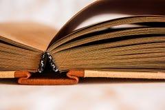 Notizblock mit Brown-Seiten Stockbild
