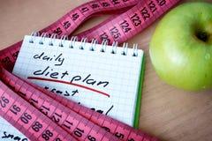 Notizblock mit täglichem Diätplan Lizenzfreies Stockfoto