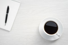 Notizblock- und Bleistiftnahaufnahme Lizenzfreies Stockbild