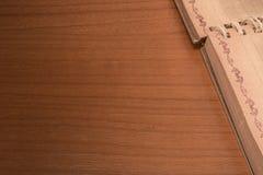 Notizbuch auf der Tabelle Lizenzfreie Stockfotografie