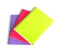 Notizbuch auf weißem Hintergrund Stockfotos