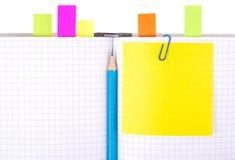 Notizbuch mit Bleistift und Bookmarks Stockfoto