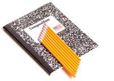 Notizbuch und Bleistifte Stockfoto