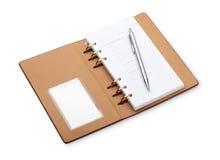Notizbuch und Feder Lizenzfreie Stockfotos