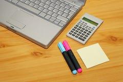 Notizbuch und Rechner Lizenzfreie Stockbilder