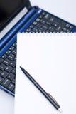 Notizbuch und Tagesordnung Lizenzfreie Stockfotografie