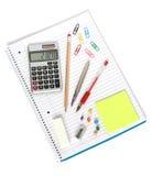 Notizbuchrechnerfeder-Bleistiftspitzerradiergummi Stockfotos