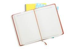 Notizbuchstapel auf weißem Hintergrund Lizenzfreies Stockbild