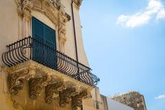 NOTO ITALIEN - detalj av den barocka balkongen, 1750 Fotografering för Bildbyråer