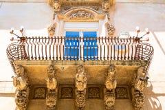 NOTO ITALIEN - detalj av den barocka balkongen, 1750 Royaltyfri Fotografi