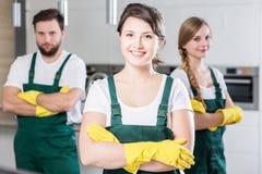 Notre équipe nettoiera n'importe quelle saleté ! images libres de droits