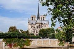 Notre水坝de巴黎大教堂正面图 库存照片