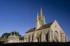 Notre贵妇人deTronoën Chapel和受难象 图库摄影