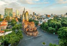 Notre Damae katedra przy centrum miasta w Hochiminh mieście Obrazy Royalty Free