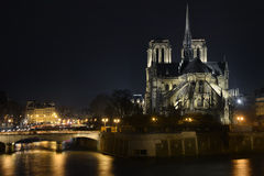 Notre Dame大教堂夜间 免版税库存图片