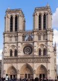 Notre Dame,著名天主教,旅游业地标在巴黎法国 免版税图库摄影