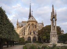 Notre Dame à Paris images libres de droits