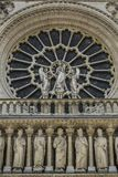 Notre Dame του Παρισιού, Γαλλία, rozette στην πρόσοψη, η κυρία μας στοκ εικόνες με δικαίωμα ελεύθερης χρήσης