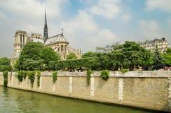 Notre Dame Cathedral, iglesia católica medieval - atracción de la señal en París, Francia Sitio del patrimonio mundial de la UNES Fotografía de archivo