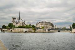Notre Dame Cathedral und die Seine Paris Lizenzfreie Stockbilder