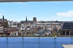 Notre Dame Cathedral van Centre Pompidou Parijs, Frankrijk, 12 Augustus 2018 royalty-vrije stock foto
