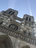 Notre Dame Church i en härlig dag för vår royaltyfri foto