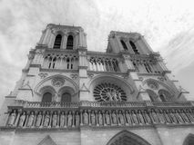 Notre Dame Church sotto il cielo scuro Fotografia Stock