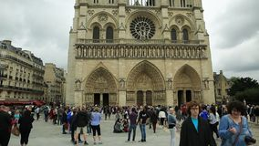Notre Dame con la lámpara almacen de metraje de vídeo