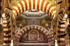 Notre Dame de la Garde inre i Marseille, Frankrike Arkivfoton