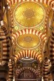 Notre Dame de la Garde tak i Marseille, Frankrike Arkivbild