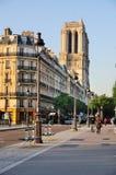 Notre Dame in de ochtend Stock Foto's