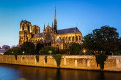 Free Notre Dame De Paris Cathedral And Seine River In The Evening Stock Photos - 32282403