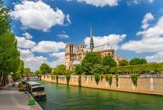 Notre Dame de Paris Cathedral, mest h?rlig domkyrka i Paris Frankrike arkivbilder