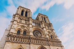 Notre Dame de Paris, chiesa medievale stupefacente della cattedrale immagini stock