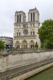 Notre Dame de Paris, dans des Frances de Paris Photographie stock libre de droits