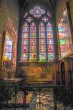 Notre-Dame de Paris espectacular de Windows en mayo de 2014 fotos de archivo