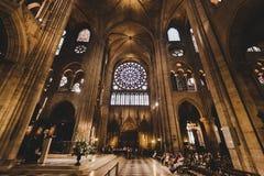 Notre Dame De Paris katedry wnętrze obrazy royalty free