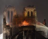Notre Dame De Paris le feu en avril 2019 photographie stock libre de droits