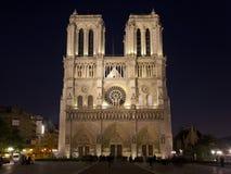 Notre Dame de Paris na noite, France Imagem de Stock Royalty Free
