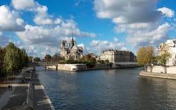 Notre Dame de Paris och Seine River Fotografering för Bildbyråer