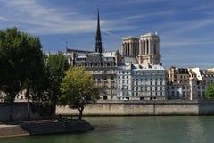 Notre Dame de Paris op Cite Royalty-vrije Stock Afbeeldingen