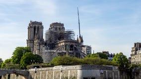 Notre Dame de Paris p? April 17, 2019: F?rst?rkningarbete efter branden lager videofilmer