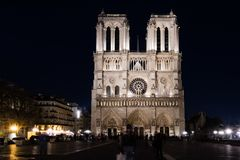 Notre Dame De Paris przy nighttime Fotografia Royalty Free