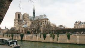Notre Dame de Paris, tambi?n conocida como Notre Dame Cathedral, Par?s, Francia metrajes
