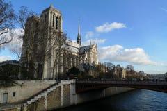 Notre Dame - den mest berömda franskakyrkan Royaltyfri Foto