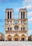 Notre Dame en la salida del sol - París, Francia fotos de archivo libres de regalías