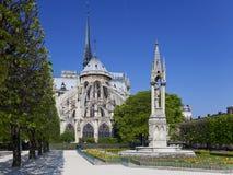 Notre Dame en París. Imagenes de archivo