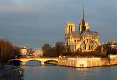 Notre Dame en París, Francia imagen de archivo libre de regalías