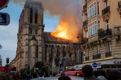 Notre Dame Fire imagem de stock royalty free
