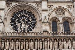 Notre-Dame-Kathedralen-Fassade Lizenzfreie Stockfotografie